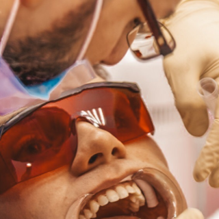Безболезненное отбеливание зубов